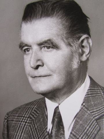 Dr. Willi Häußermann